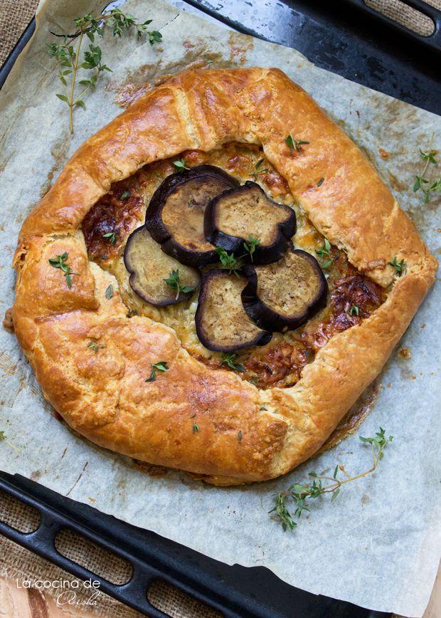 Galette de cebolla caramelizada, berenjena y queso de oveja