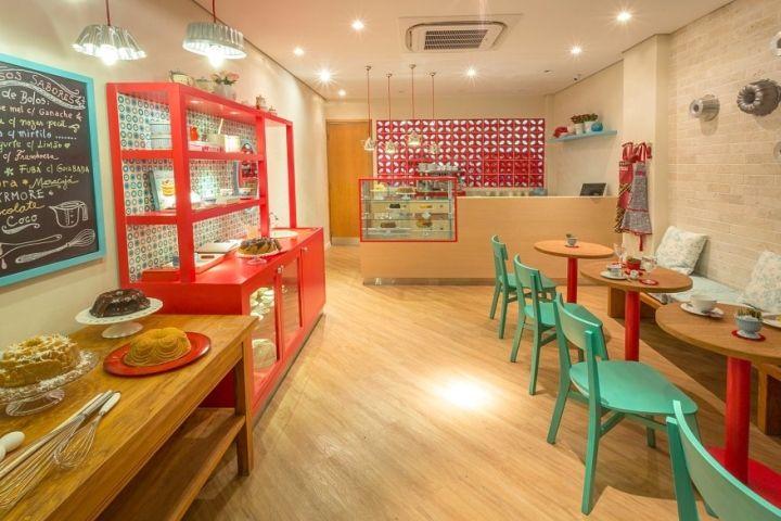«Bolo Ao Forno!» — элегантный интерьер магазина домашней выпечки от Estúdio Jacarandá, Сан-Паулу, Бразилия