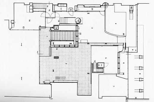 Maison de Verre. Arqu. Pierre Chareau. First floor.