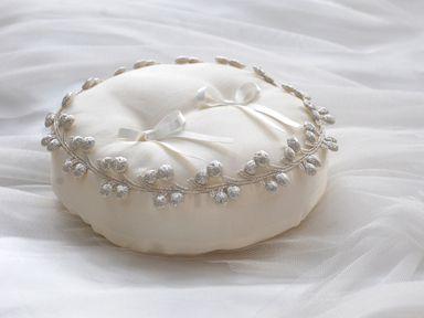 Ring pillow Cシルバーチェリー