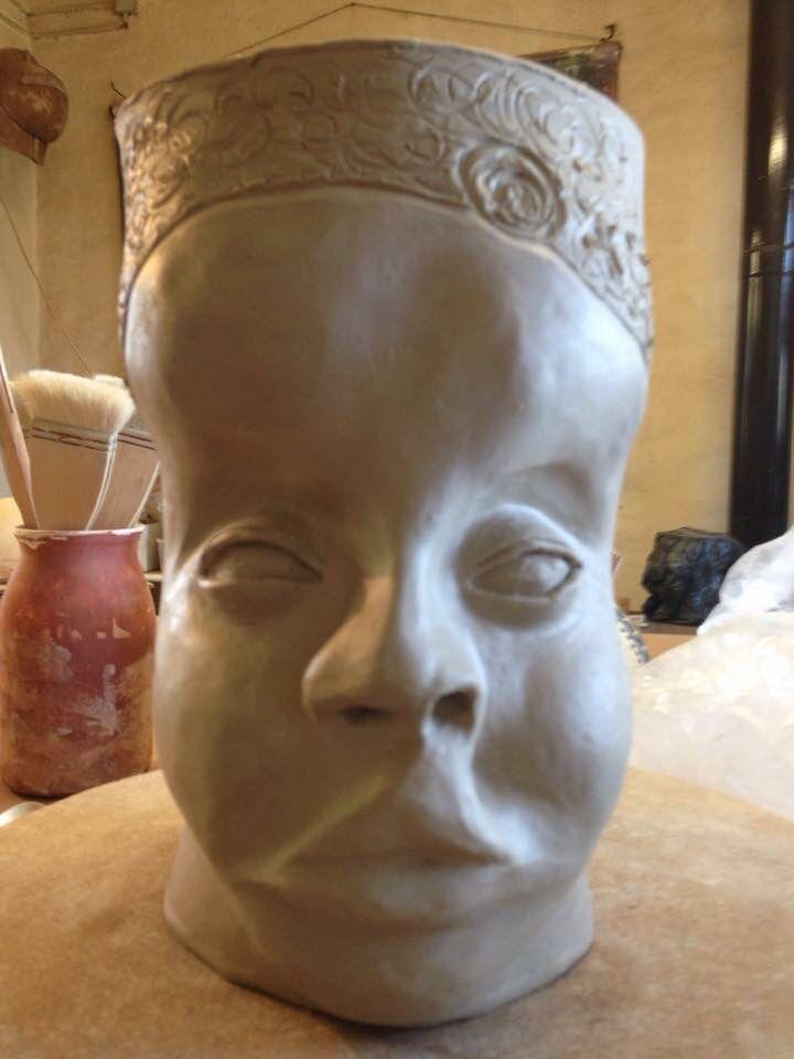 Face1 visage déformé son âme est représenté par le polissage