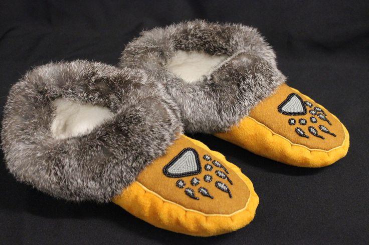 Size 11 - Men's Moose Hide & Grey Rabbit Fur Moccasin With Beaded Bear Paw Design (Black & Grey) - Kitigan