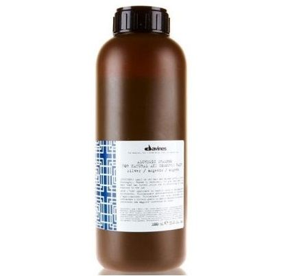 Davines Alchemic Chocolate Çikolata Şampuan 1000 ml ürünü ile saçlarınızın kökten uca yenilenmesini ve sağlıklı kalmasını sağlayabilirsiniz.Diğer Davines ürünleri için http://www.portakalrengi.com/davines sayfamızı ziyaret edebilir detaylı bilgilere ulaşabilirsiniz.