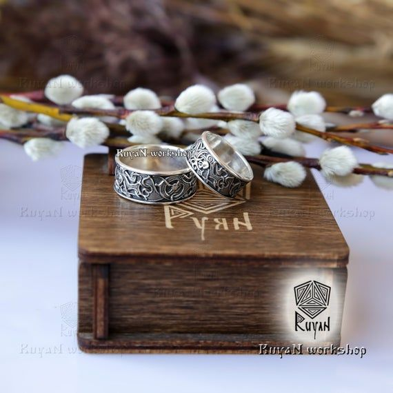 Viking Wolves ring. Wolf Ring. Celtic Dogs ring. Viking wedding ring