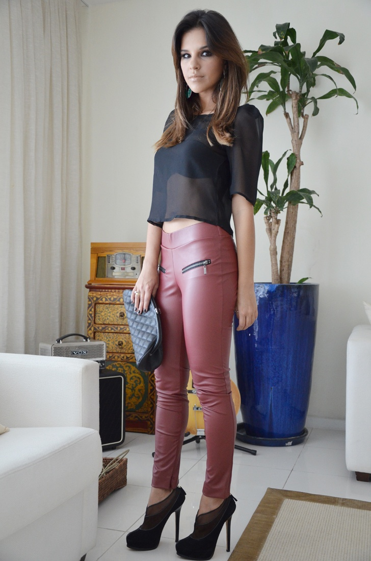 Mariana Rios, Página 6