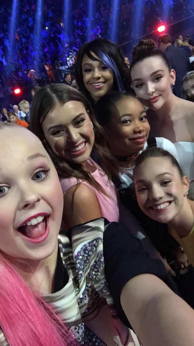 Selfie at the Kids Choice Awards!!!