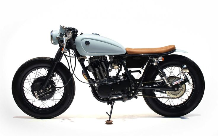 Yamaha SR400 Cafe Racer by The Sports Customs #motorcycles #caferacer #motos | caferacerpasion.com