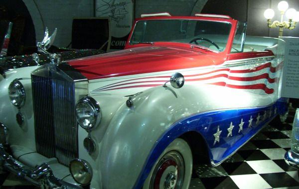 Liberace-Patriotic-Car #VikingUSA