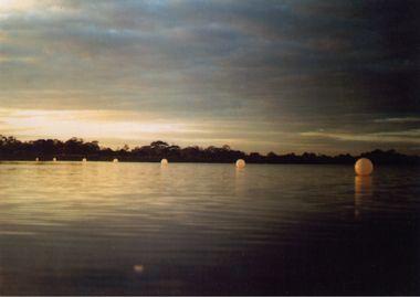 Paul Irving Alien Landing Strip 1999 Location Port Phillip Bay near Doug Grant reserve Altona, Vic, Australia. Dimensions 450m long. Materials double braided polypropylene rope and latex weather balloons. Photo Paul Irving