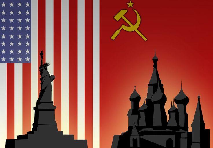 O marco inicial da Guerra Fria foi a Doutrina Truman (1947), política da Casa Branca que pretendia conter um suposto avanço das ideias socialistas pelo planeta.