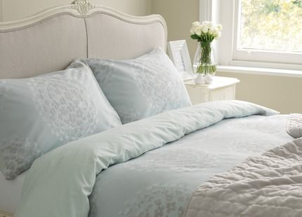Laura Ashley Coco Jaquard Bedlinen Sooooo Fresh And Spring Inspired
