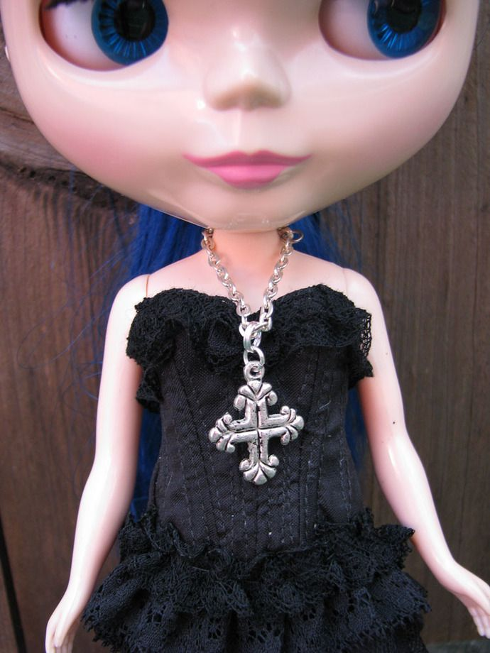 Gothic Cross Doll Necklace for #blythe #pullip #dal #monsterhighdolls