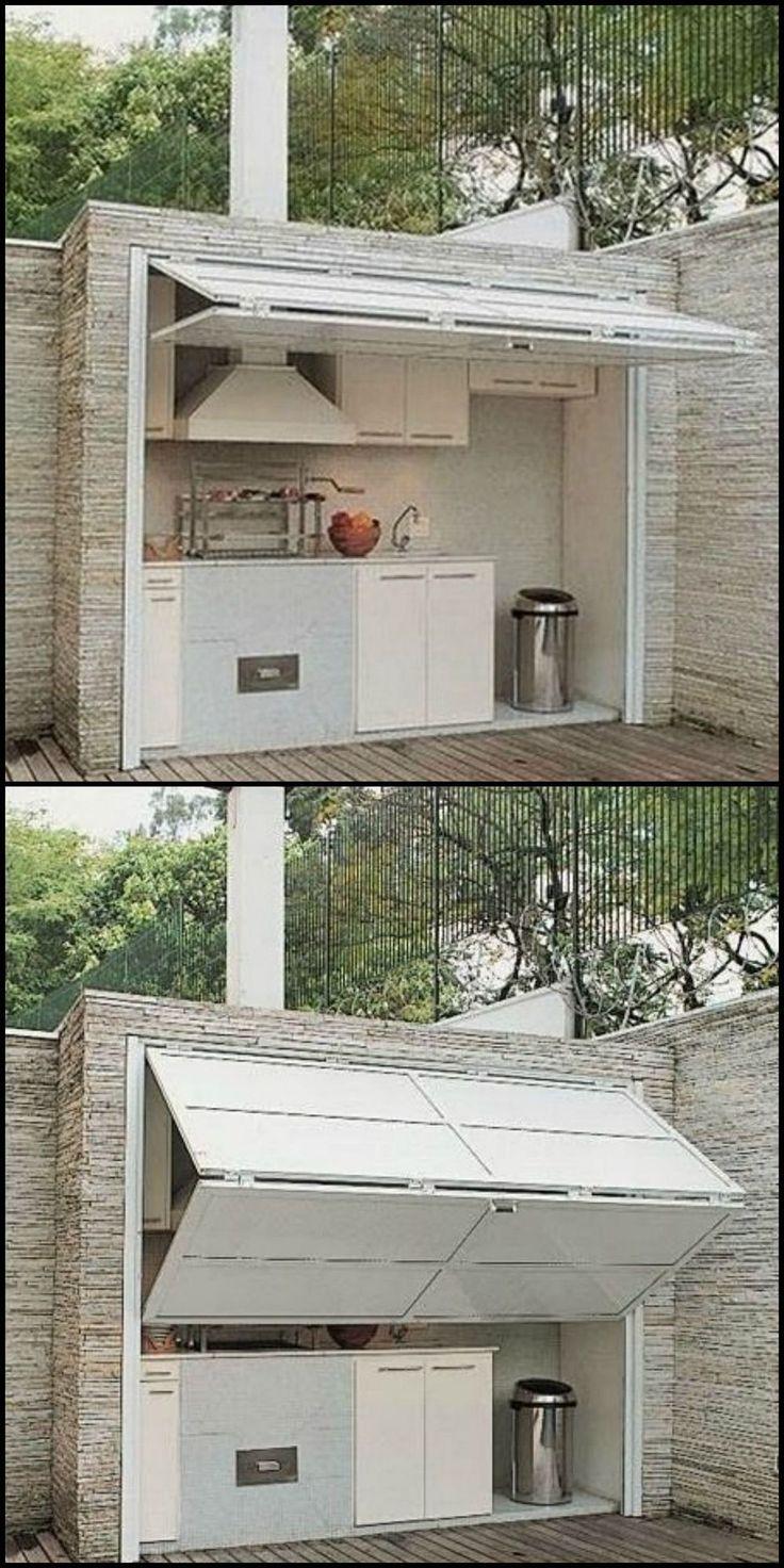 Das Problem bei den meisten Außenküchen ist, dass sie exponiert sind. Hier ist eine Idee, die sie vor den Elementen schützt UND Schatten spendet
