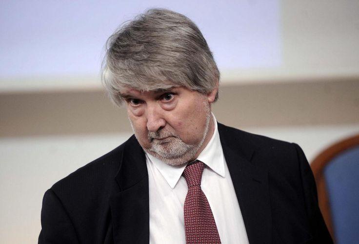 """Il ministro Giuliano Poletti detiene il primato per il """"premio supercazzola"""" assegnatogli da Scenarieconomici. L'ultima prodezza la regala sull'università."""