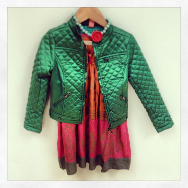 The perfect fall outfit. Pink chicken dress with bengh per principesse jacket and Calamarie necklace.