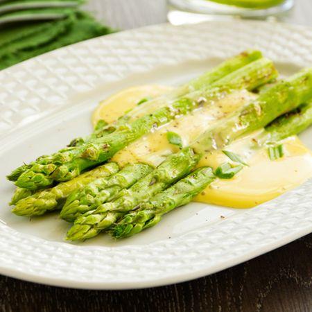 Egy finom Zöldspárga hollandi mártással ebédre vagy vacsorára? Zöldspárga…