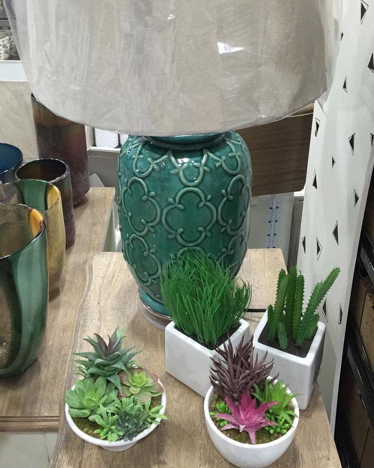 #detalles #lámpara #verde #plantas #decoracion #deco #decor #home #homestyle #homedecor #tiendadecoracion