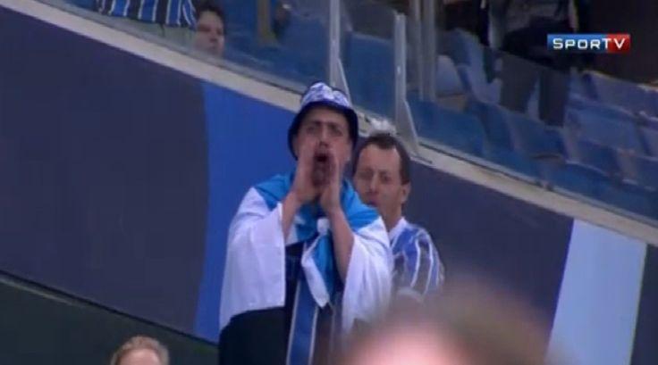 Aranha faz História. A torcida do Grêmio, não -- Torcedores referendam as ofensas racistas ao vaiar a luta não do atleta, mas do homem. Um homem que se nega a fazer do episódio uma atração de circo