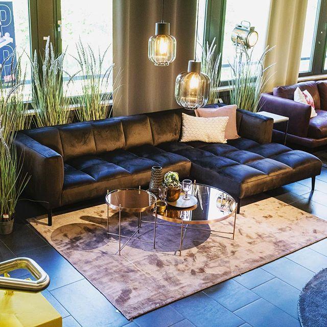 Die Quadratur Des Sofas Sofa Ritter In Eleganter Quaderoptik Im Dunklen Braun Hat Einfach Einen Zweiten Post Verdient Wow D Sofa Design Haus Hamburg Sofa