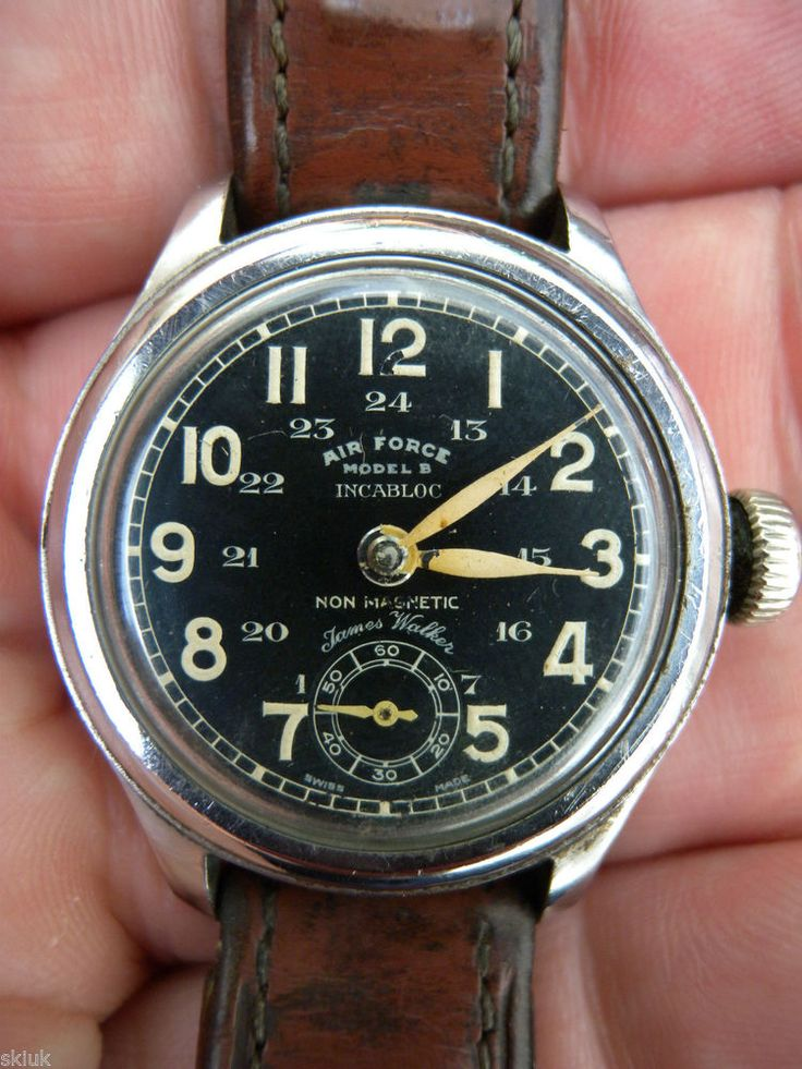 RARE VINTAGE JAMES WALKER OF LONDON AIR FORCE MODEL B PILOTS WATCH