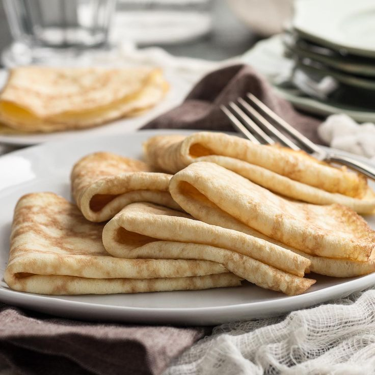 These no-fail low carb crepes result in perfect, thin pancakes. Fill with sweet or savory low carb fillings for breakfast, lunch, dinner, or dessert!