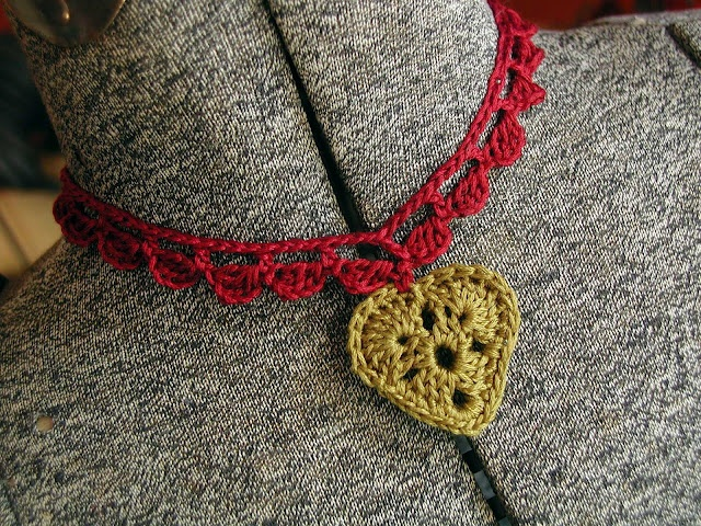 Crocheted heart necklace in the dirndl style. Love it.