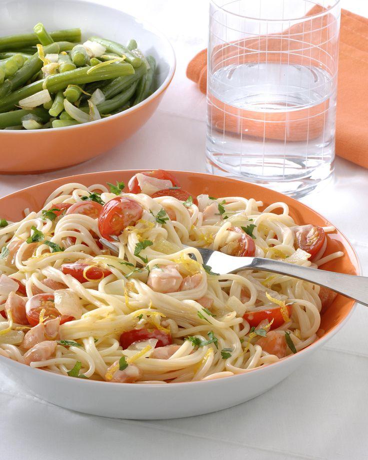 Gerookte vis 'à la carbonara' met een salade van sperziebonen