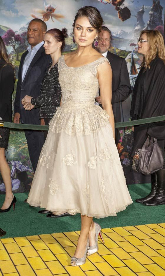 Mila Kunis Wearing Dolce & Gabbana To The LA Premiere Of 'Oz The Great And Powerful', 2013