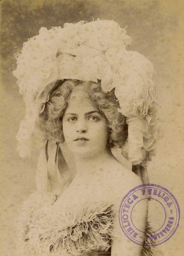 Portrait of a woman, 1842/1911. BPE Pontevedra (BVPB), Public Domain