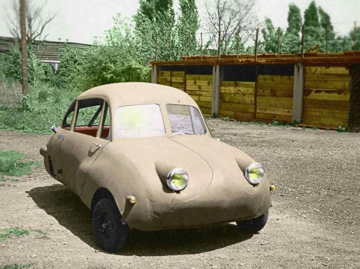 Felber Möve 101 - 398cc 1953  When I colorized the original black / white photo I assumed that this was a nameless homemade car from Austria. Wendax - member of Auto Puzzles – showed me that this Fuldamobil-like microcar is a Felber Möve 101 built in Austria in 1953 See newer photo. The black & white photo was found on Ebay Austria.