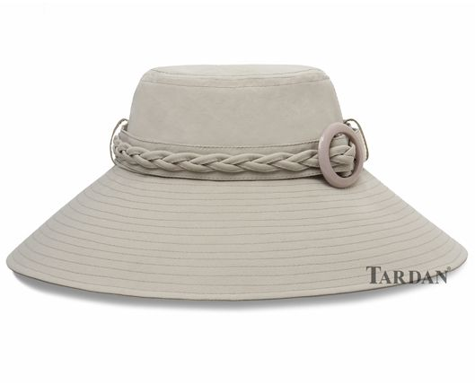 St. Tropez Sombreros Tardan