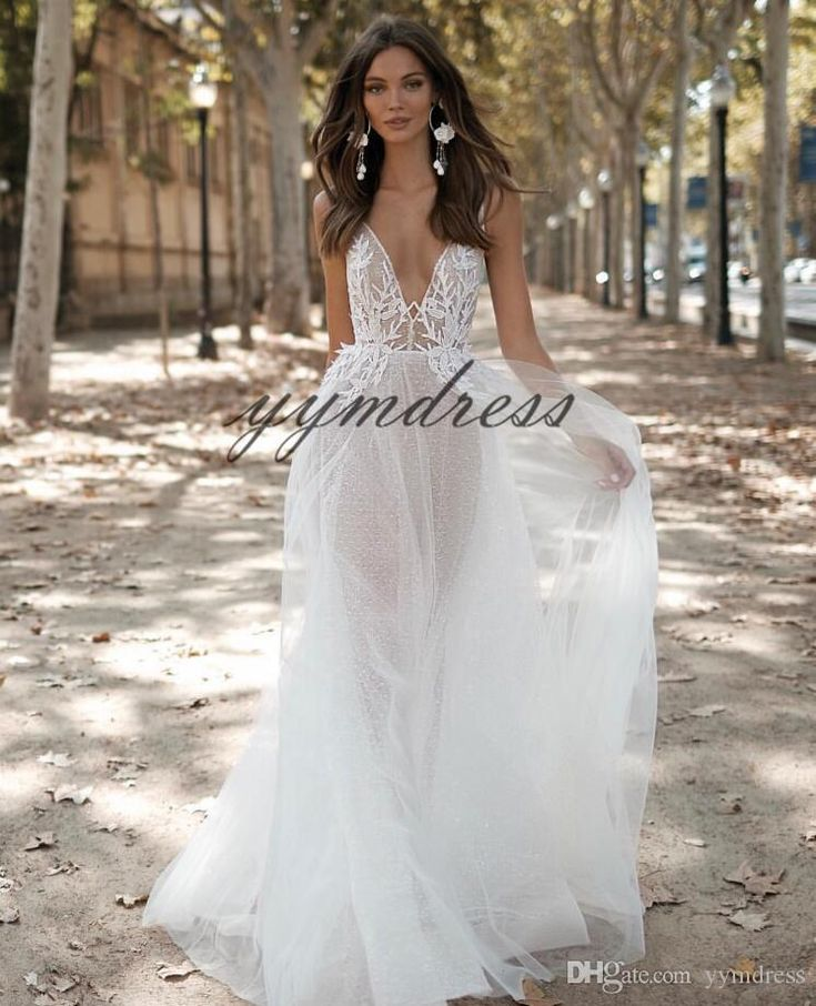 Sexy Wedding Dresses 2019 Deep V Neck Lace Appliqued Illusion Bodice Bridal Gowns Vestido De Novia Cap Sleeve Beach Wedding Dress