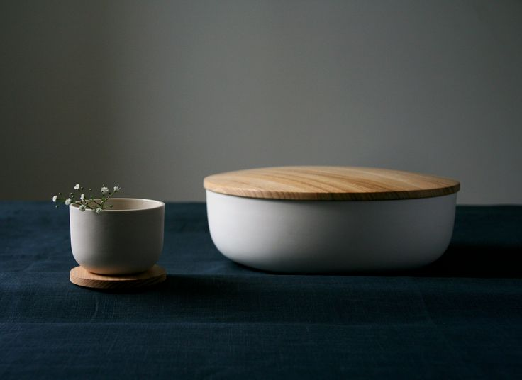 Minimalistic ceramics by STUDIO smoo  Photo: Salla-Mari Kinnunen