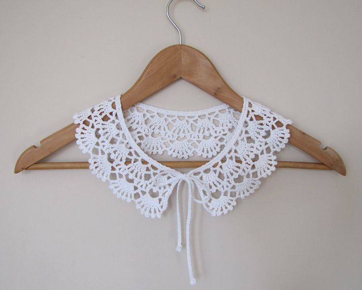 Lace Peter Pan Crochet collar necklace in pure white by elfinhouse