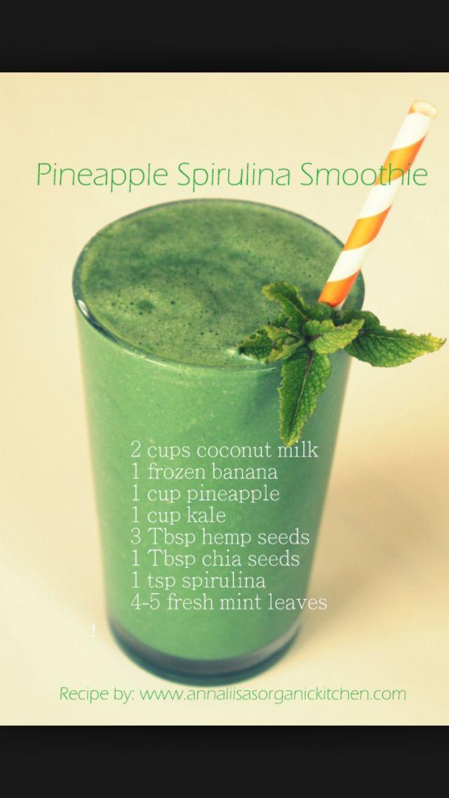 Pineapple Spirulina Smoothie