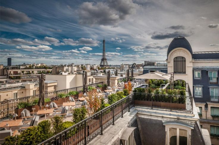 The Best 6 Luxury Hotels in Paris For Every Occasion