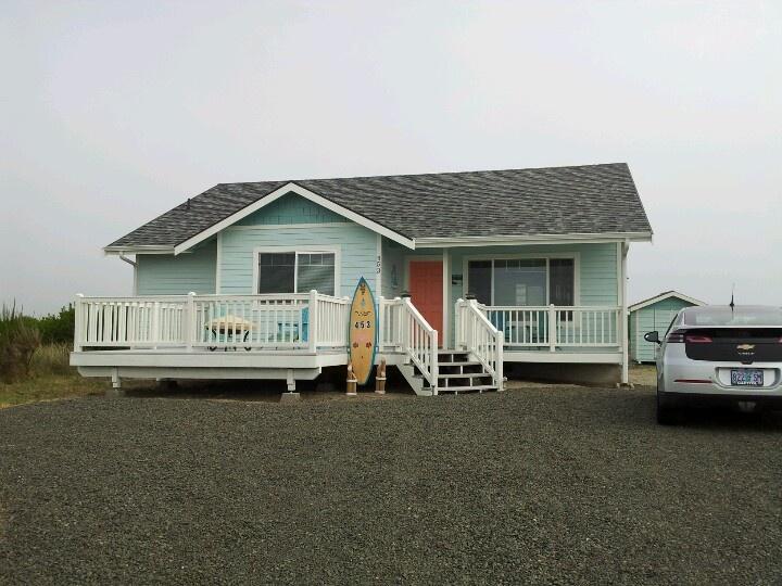 52 best exterior house painting images on pinterest - Beach house color schemes exterior ...