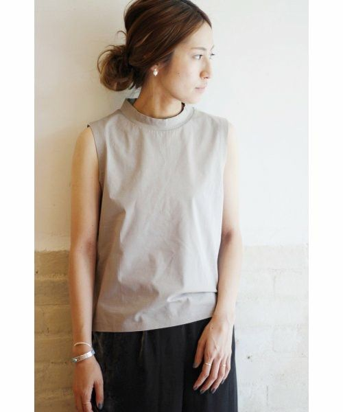 FRAMeWORK(フレームワーク)の「エンシュクテンジクハイネックノースリ◆(Tシャツ・カットソー)」です。このアイテム着用のコーディネートをチェックすることもできます。