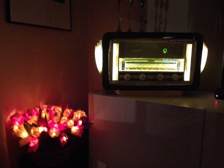 Oude radio's worden volledig gereviseerd en voorzien van een iPod aansluiting, Bose luidsprekers en Airplay. Een sieraad voor in huis!