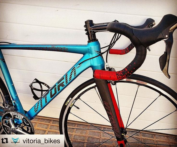 #repost @vitoria_bikes (@get_repost)  Aluminio/titanio  horquilla carbono #nyxtralight #superlightbike Materiales alternativos al carbono con misma ligereza buenísimas cualidades y muy alta calidad #roadbikes #cycling  Alloy/Titanium  full carbon fork . Alternative materials to carbon fiber with same lightness and very high quality #guee #sldual #bartape #lightweight #cyclingstyle #cycling #outdoors #biking #bike #cycle #bicycle #instagram #fun