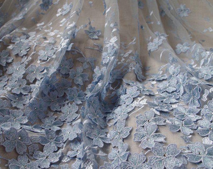 Tejido 3D de encaje con flores, tela nupcial del cordón, tela del cordón azul para el vestido de alta costura, tejido de encaje de malla con flores 3D