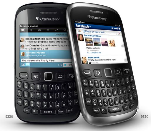BlackBerry Curve 9320 now official: BB OS 7.1, 2.44-inch display, BBM button  €200