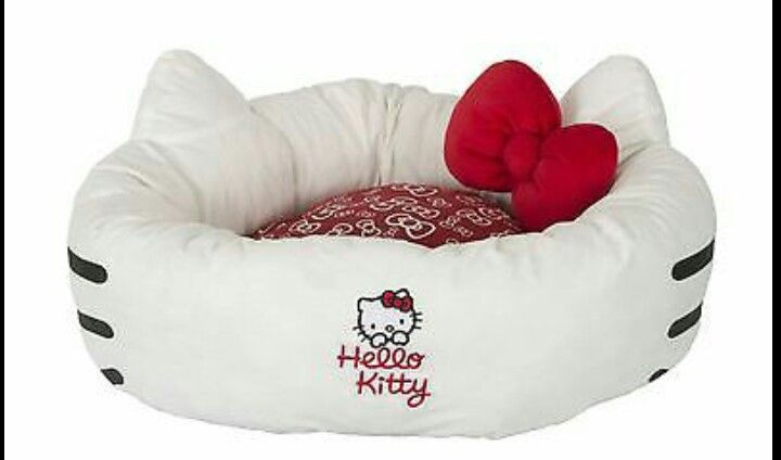 Hello kitty dog bed!                                                                                                                                                      Más