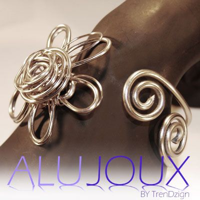 Flower bracelet from my book AluJoux