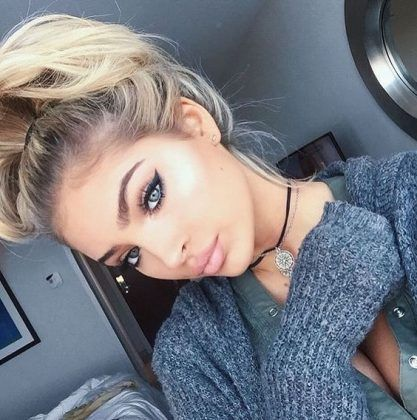 messy top knot + blonde + lips + eyes / #beauty #hairstyles #makeup