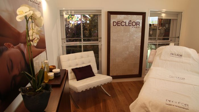 17 best images about spa room and decor on pinterest for Beauty treatment room decor ideas