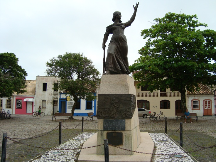 A remarkable statue of #Anita #Garibaldi ! A stunning statue for a #strongwoman !  www.anitathemovie.com
