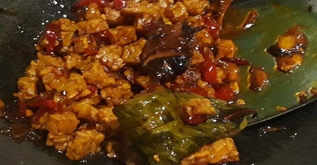 Resep cara membuat orek tempe basah cabe merah sederhana spesial