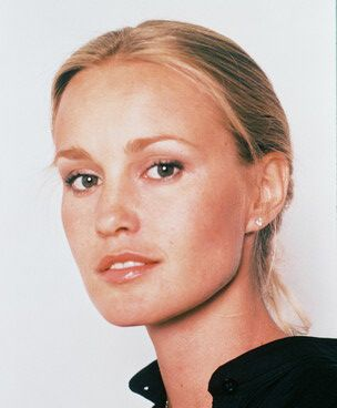 Jessica Lange via http://glamourousblog.blogspot.com/2011/11/blog-post_22.html