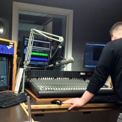 #clientlove   Show and Tell (Central Illinois) is a podcast of the Illini Radio Group. The host, Ryan Leskis, focuses on unique and interesting people, places, and events in Central Illinois.. #mowglistudio